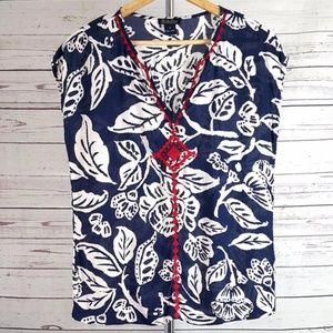 Lucky Brand blue white leaf embroidered v neck top